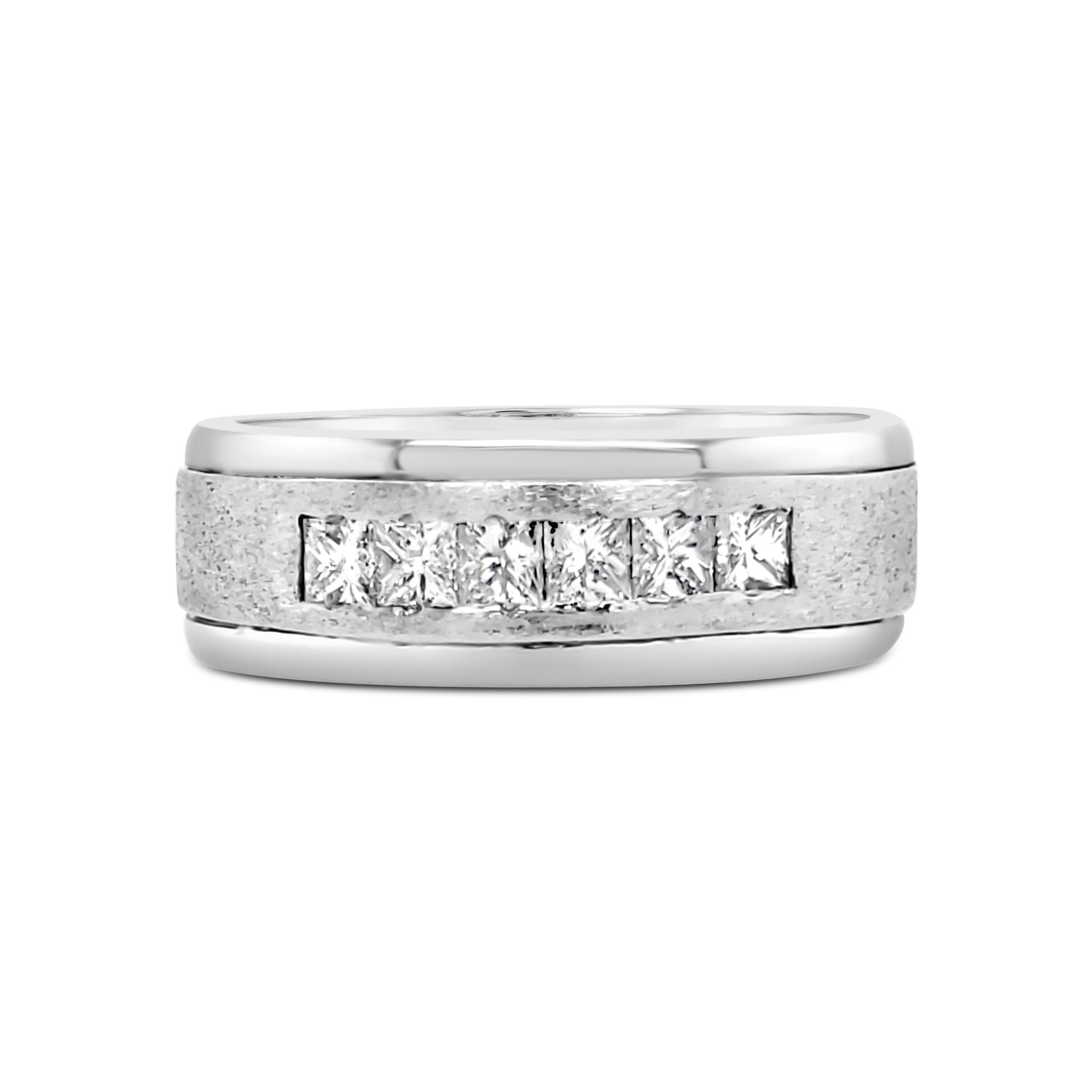 Stunning Estate Platinum (950)and Diamomd Ring